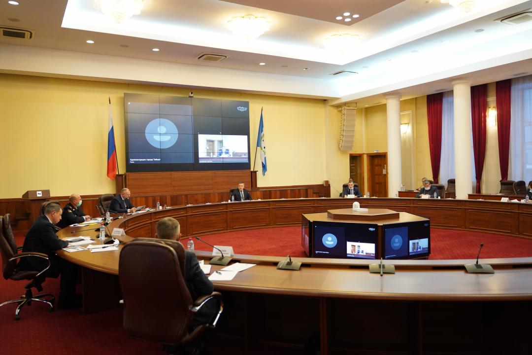 Участники заседания антитеррористической комиссии в Иркутской области 14.12.2020
