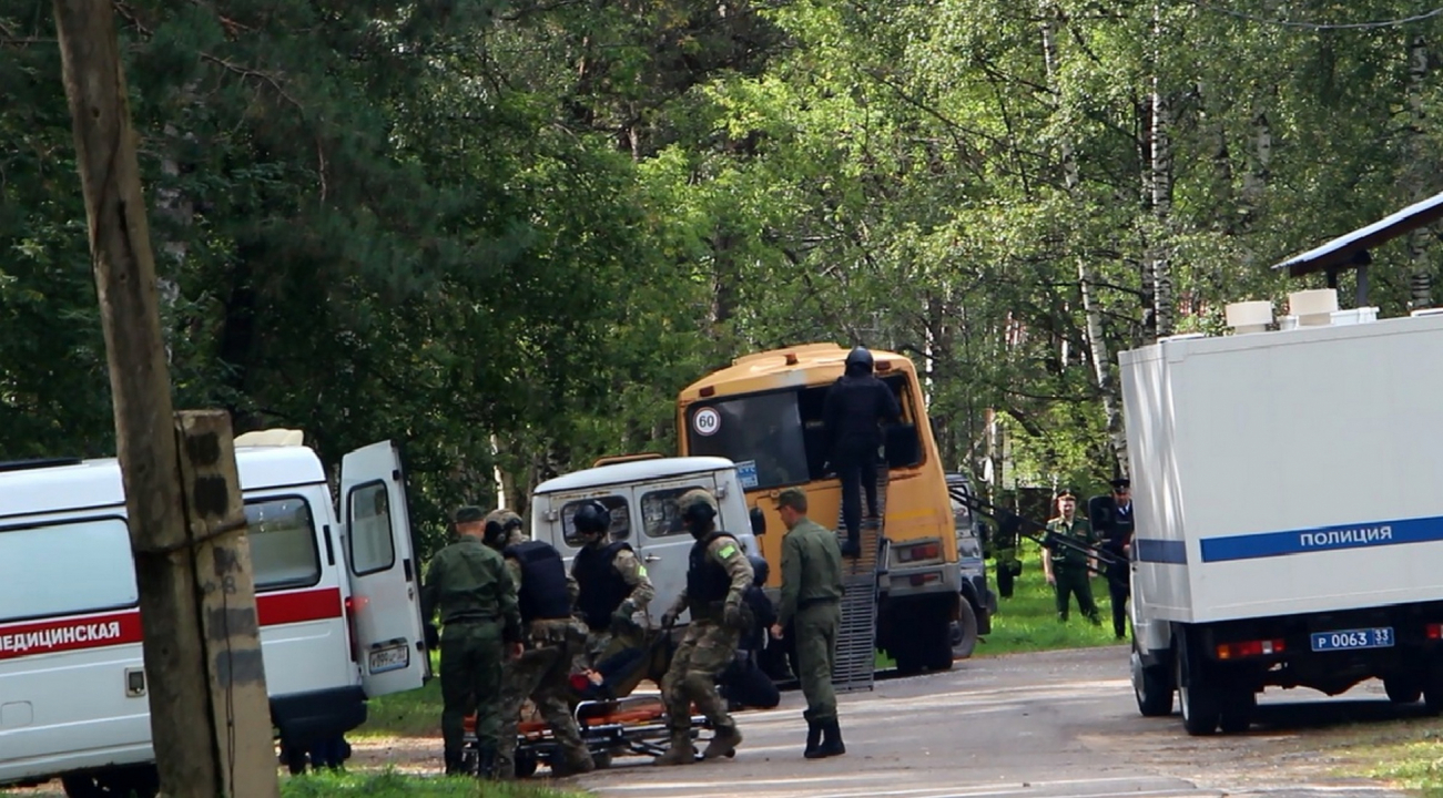 Транспортировка и оказание медицинской помощи освобождённому заложнику