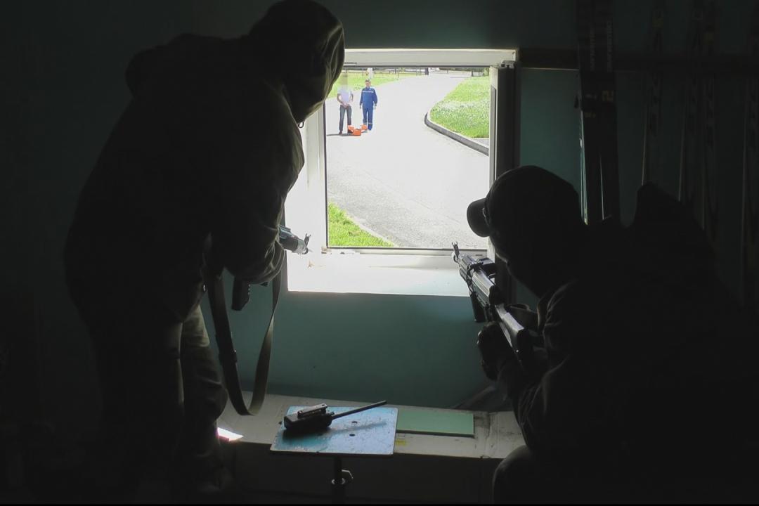 Ведение переговорного процесса с «условными террористами»