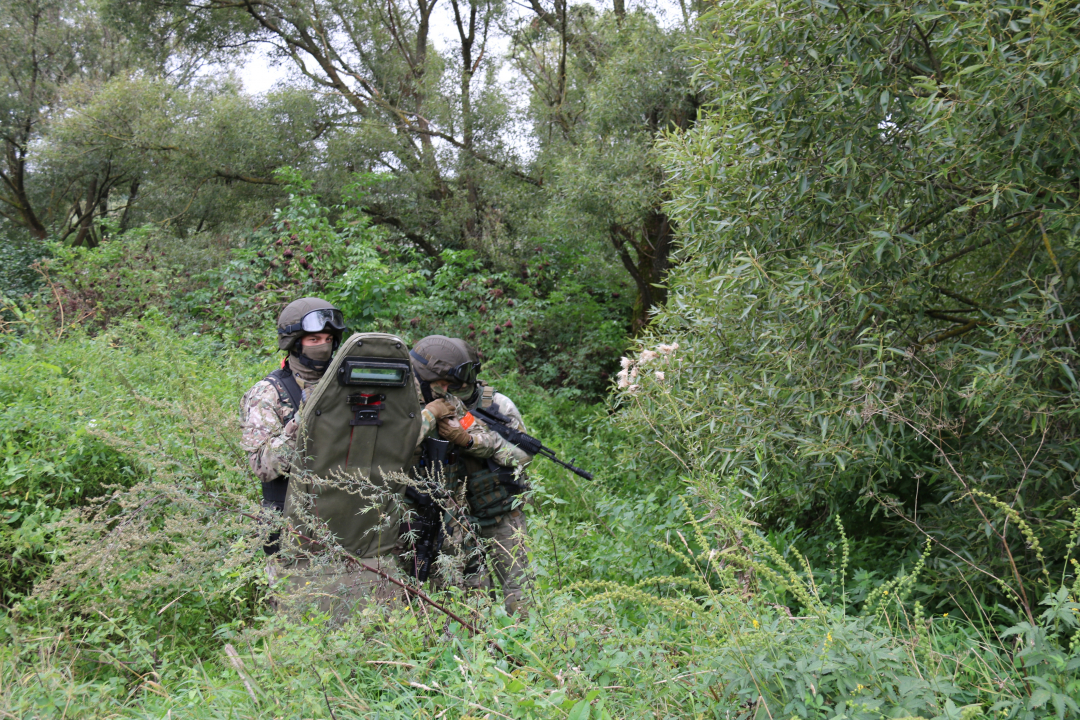 Проведены тактико-специальные учения антитеррористических группировок Брянской и Курской областей