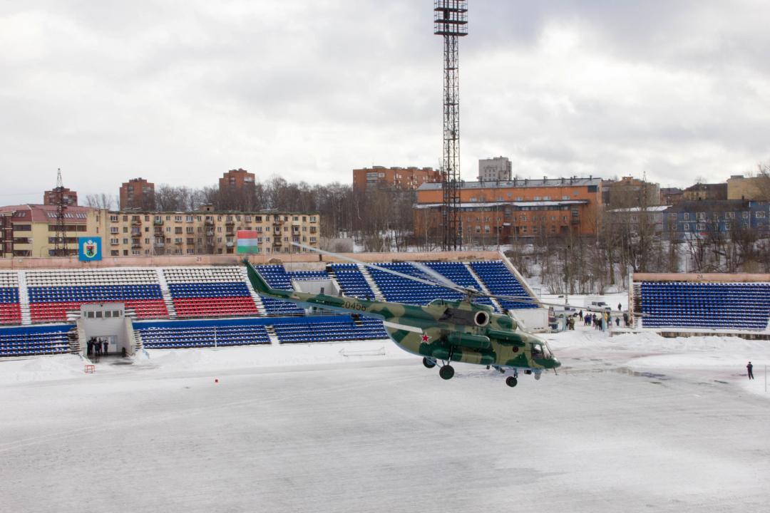 Эвакуация «пострадавших» вертолетом 1 отдельного авиационного отряда ФСБ России