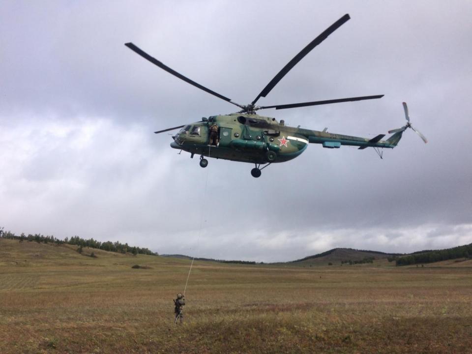 Десантирование спецназа из вертолета
