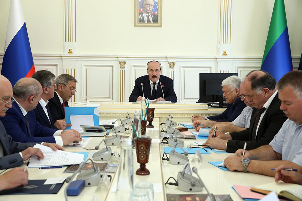 Под руководством Рамазана Абдулатипова прошло заседание АТК в Республике Дагестан