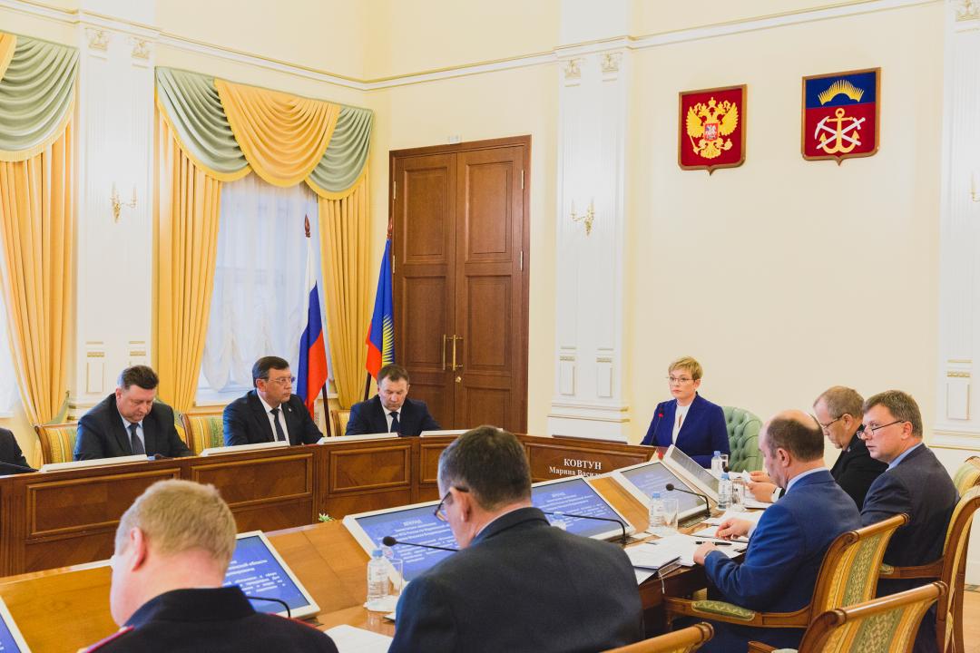 Губернатор Марина Ковтун провела совместное заседание антитеррористической комиссии и оперативного штаба в Мурманской области