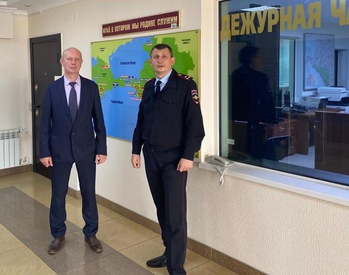 Участники рабочей встречи Э.Г. Панченко (АТК) и Т.Н. Левшин (УТ МВД по ЮФО)