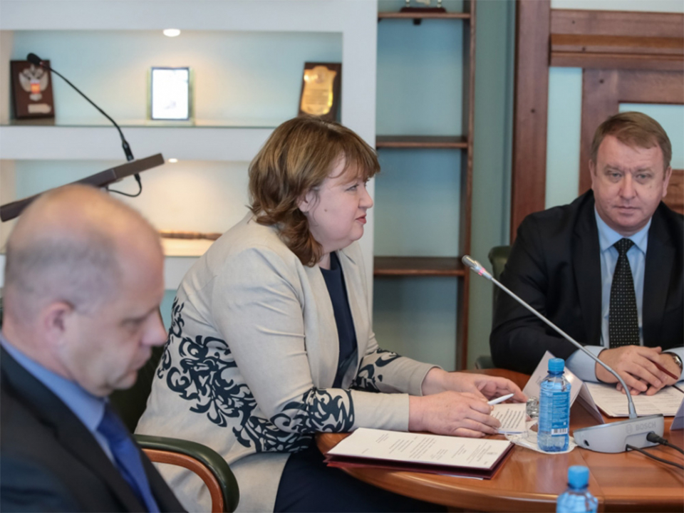 Губернатор Приморья Владимир Миклушевский провел внеочередное заседание антитеррористической комиссии Приморского края