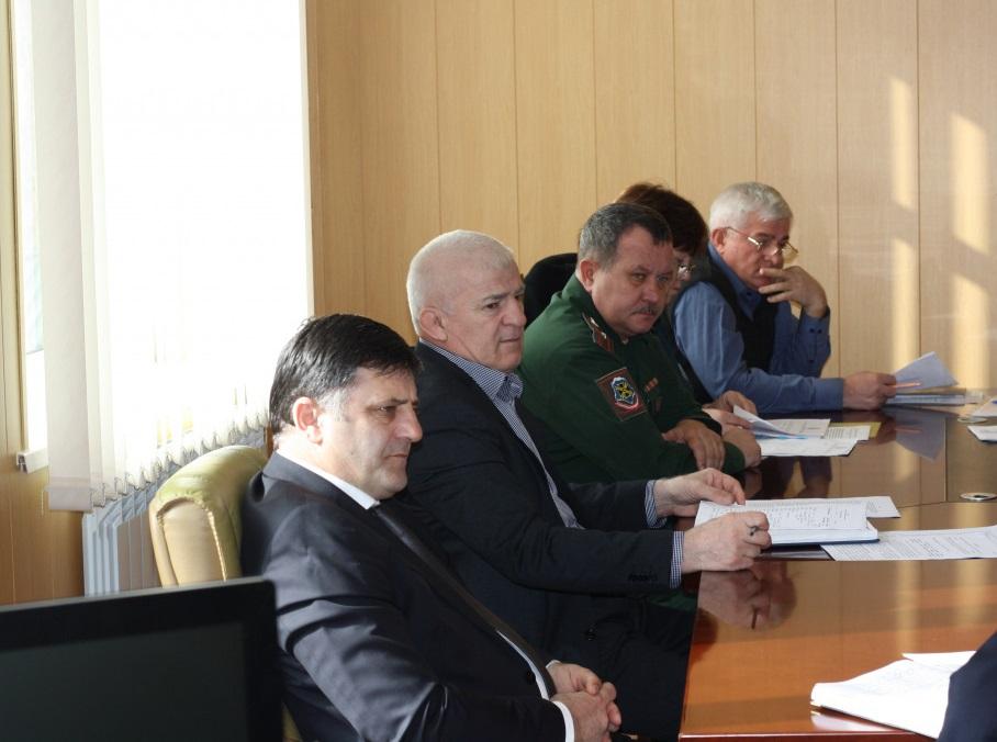 Заседание антитеррористической комиссии провели в Тарумовском районе