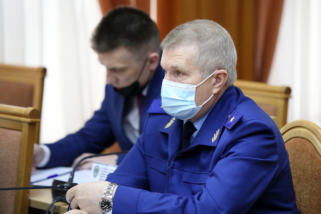 Томский губернатор и начальник регионального УФСБ провели внеплановое заседание антитеррористической комиссии и оперативного штаба