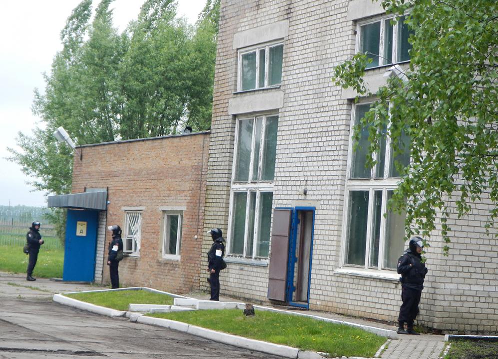 Осуществление первоочередных мер силами оперативной группы в Первомайском районе