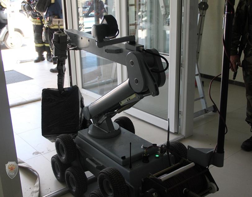 Обезвреживание взрывного устройства с использованием специализированной техники