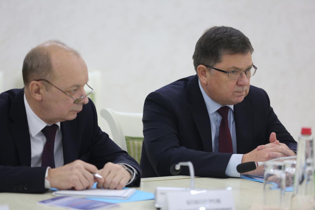 Участники заседания Антитеррористической комиссии в РД