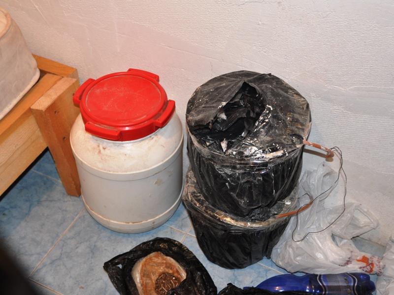 В Ингушетии обнаружен бандитский бункер, оборудованный под лабораторию по изготовлению СВУ