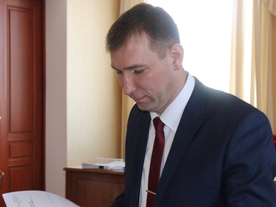 С вопросом о дополнительных мерах ситуационного реагирования на угрозы террористического характера в период майских праздников выступил сотрудник аппарата оперативного штаба Евгений Колтаков.