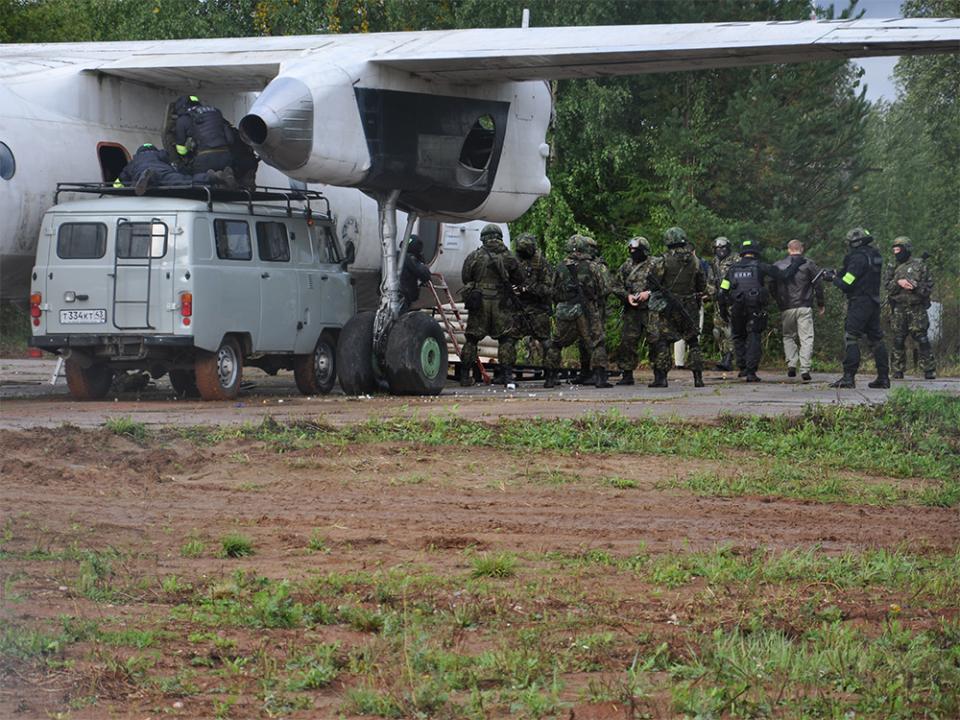Проведение ОБМ по освобождению заложников и нейтрализации террористов