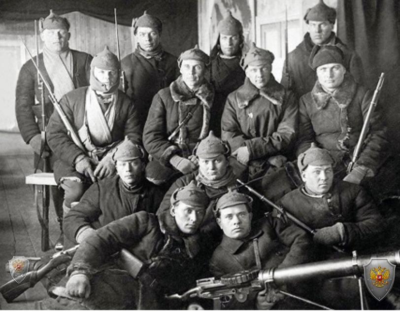 Боевой отряд одной из губернских ЧК, примерно 1921 год. Фото: из архивов ФСБ РФ