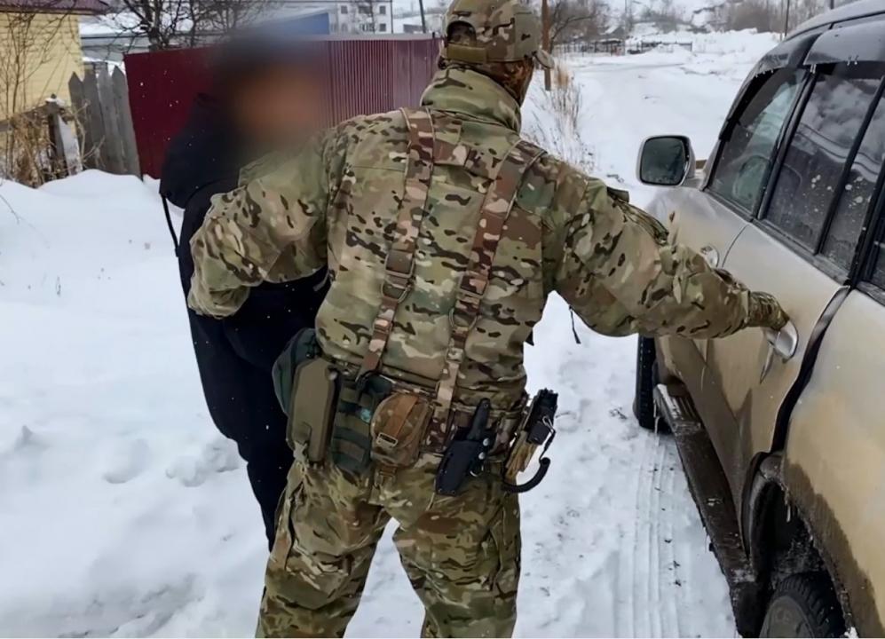 ФСБ России в Сахалинской области задержаны двое студентов