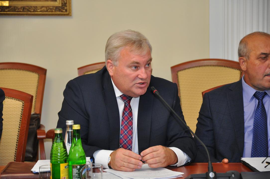 Министр образования Республики Мордовия Маркачев Е.Е. доложил о ходе подготовки образовательных учреждений республики к новому учебному году