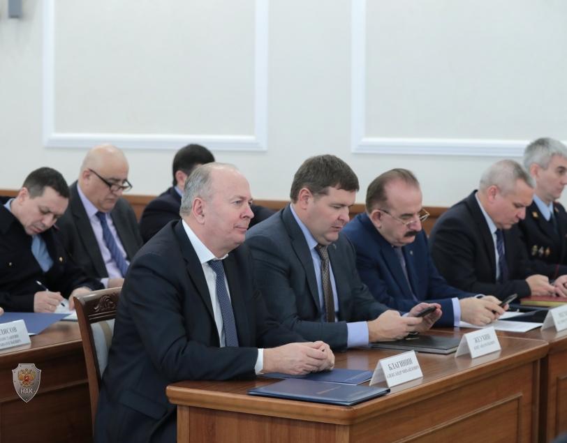 Обсуждение докладов и принятие решения по повестке дня заседания членами АТК Ростовской области.