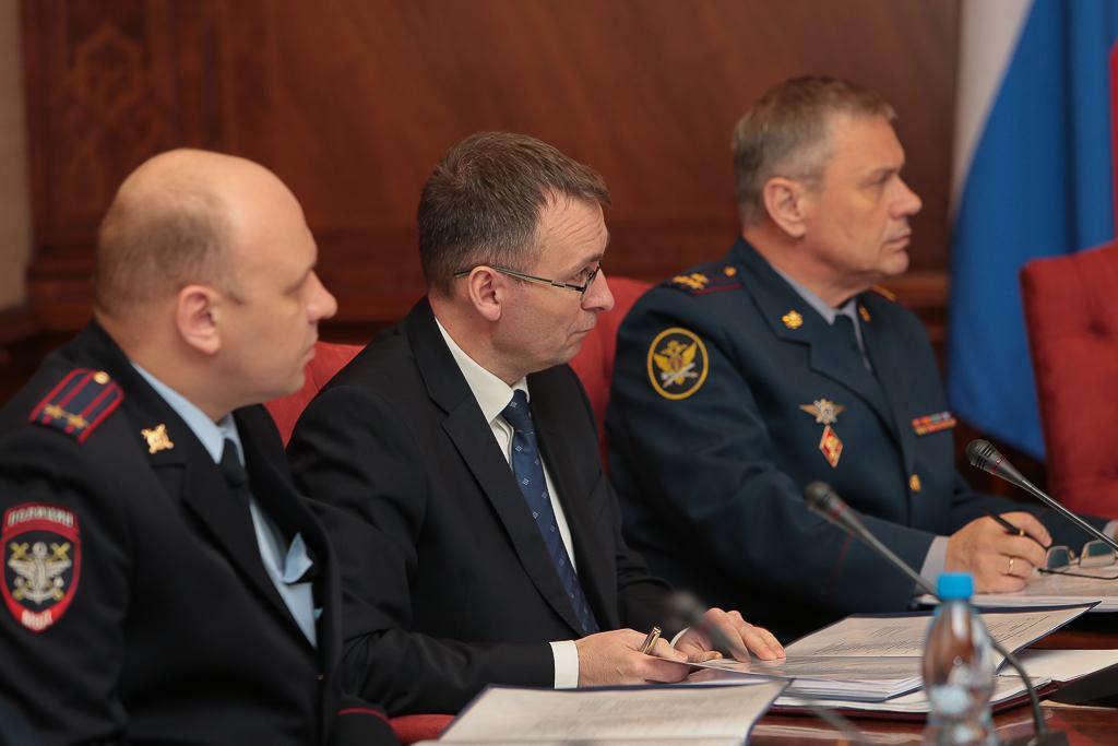 Члены АТК в РК и участники заседания
