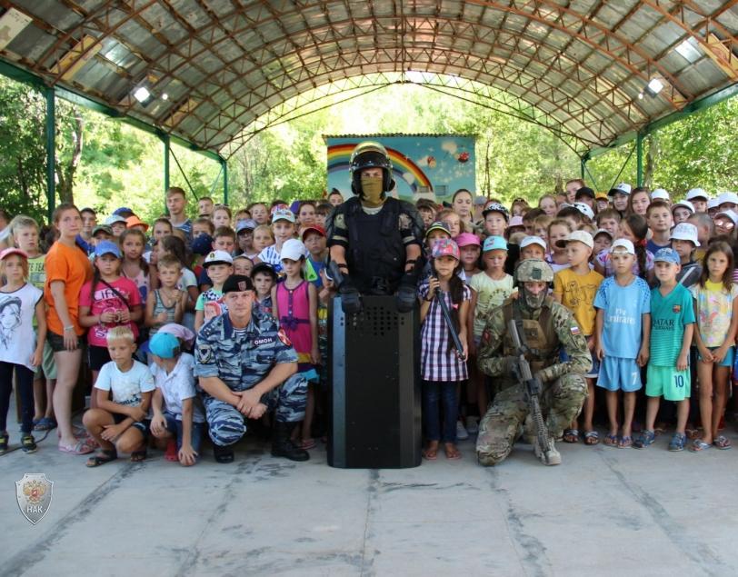В детских оздоровительных лагерях города Севастополя прошли мероприятия под лозунгом: «Будущее без терроризма, терроризм без будущего!»