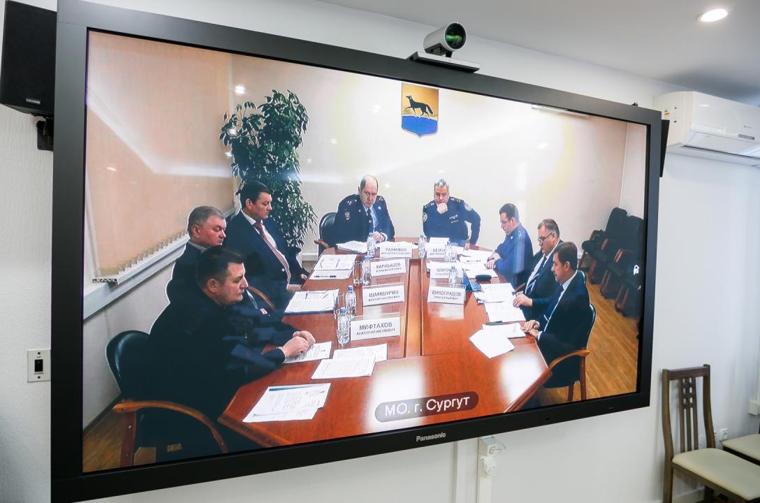 Наталья Комарова провела совместное заседание антитеррористической комиссии и оперативного штаба в Ханты-Мансийском автономном округе