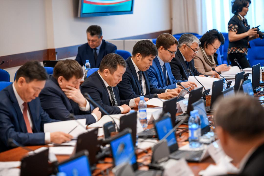Айсен Николаев провел заседание Антитеррористической комиссии
