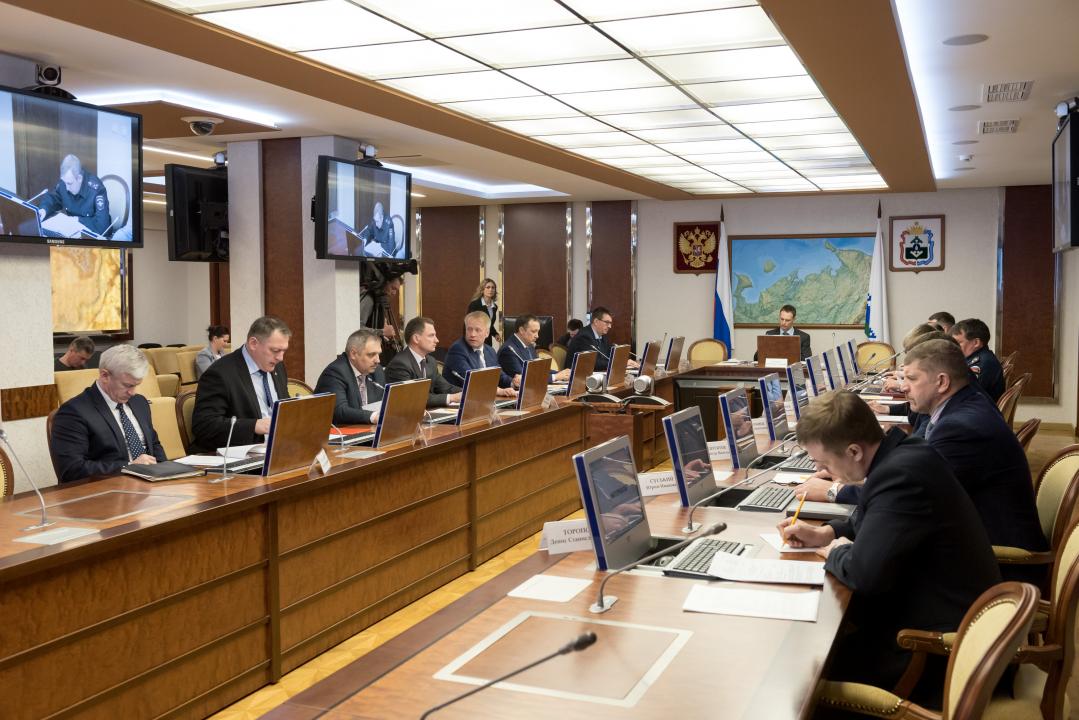 Рассмотрение вопроса: «О мерах по выявлению и предотвращению угроз совершения террористических актов в период проведения майских праздничных мероприятий на территории Ненецкого автономного округа»