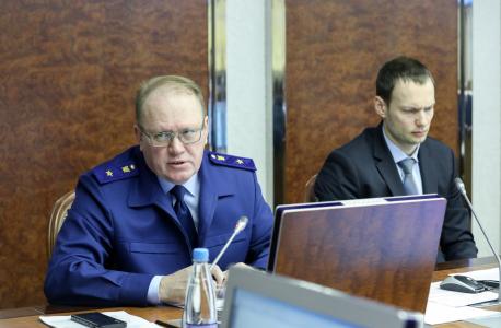 В заседании принял участие прокурор Ненецкого автономного округа Егоров Н.В.