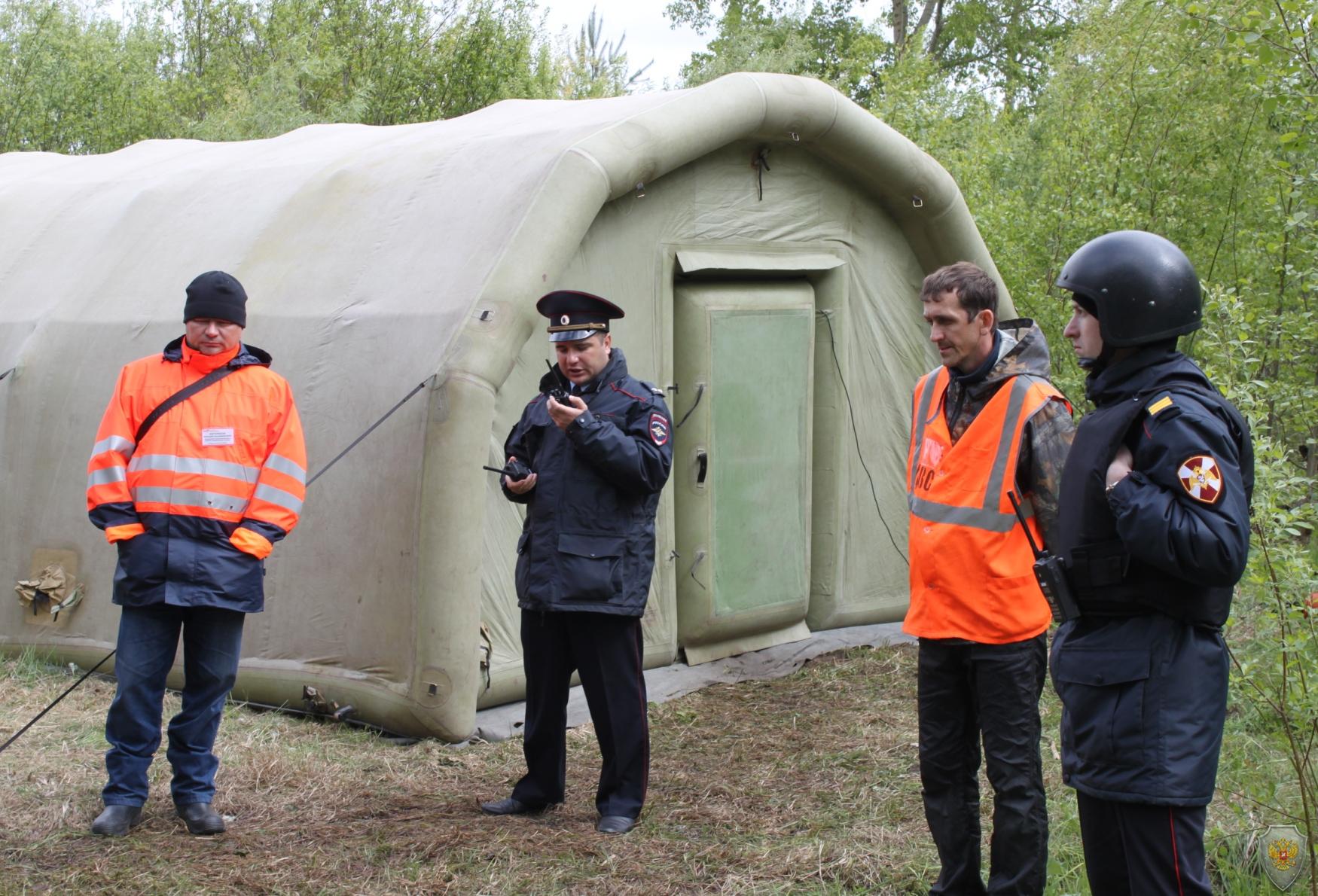 В городе Котлас Архангельской области состоялось тактико-специальное учение по пресечению террористического акта на объекте воздушного транспорта