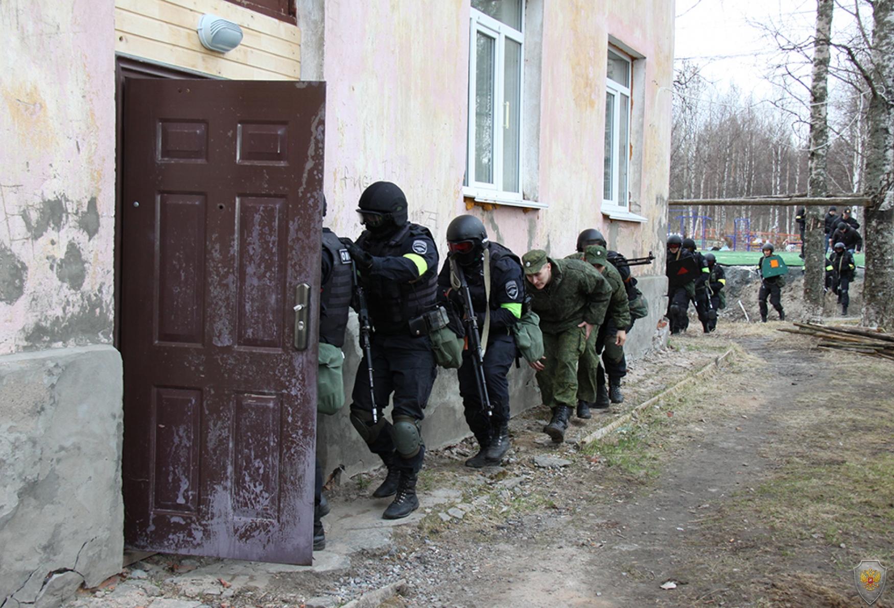 Проведение осмотра  жилых кварталов населенного пункта Васьково Приморского района Архангельской области