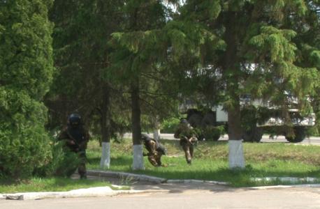 Группа огневой позиции занимает огневую позицию перед проведением БМ