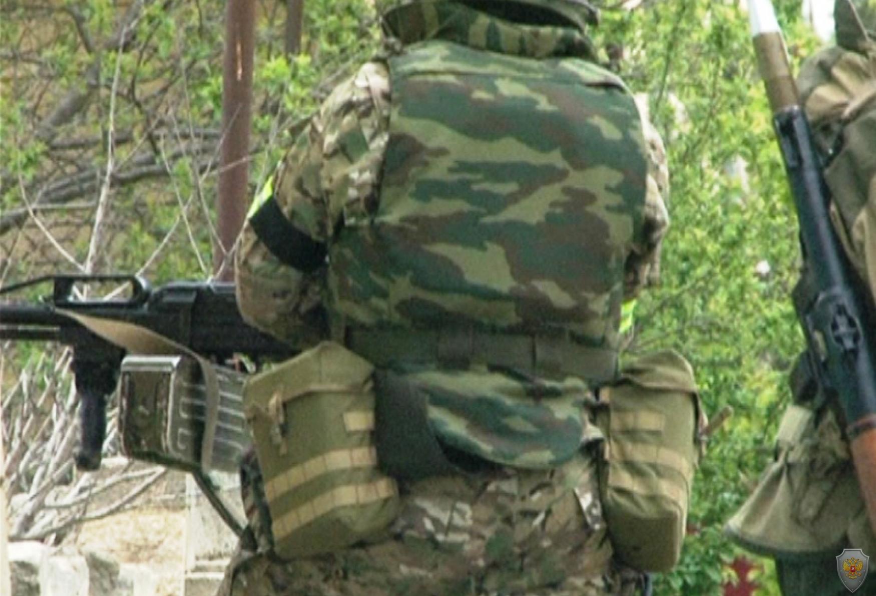 В Дербенте предотвращены теракты, готовившиеся к майским праздникам, в Ингушетии обнаружен крупный тайник с провизией
