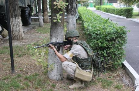 Российские военнослужащие провели учения по антитеррору в Киргизии