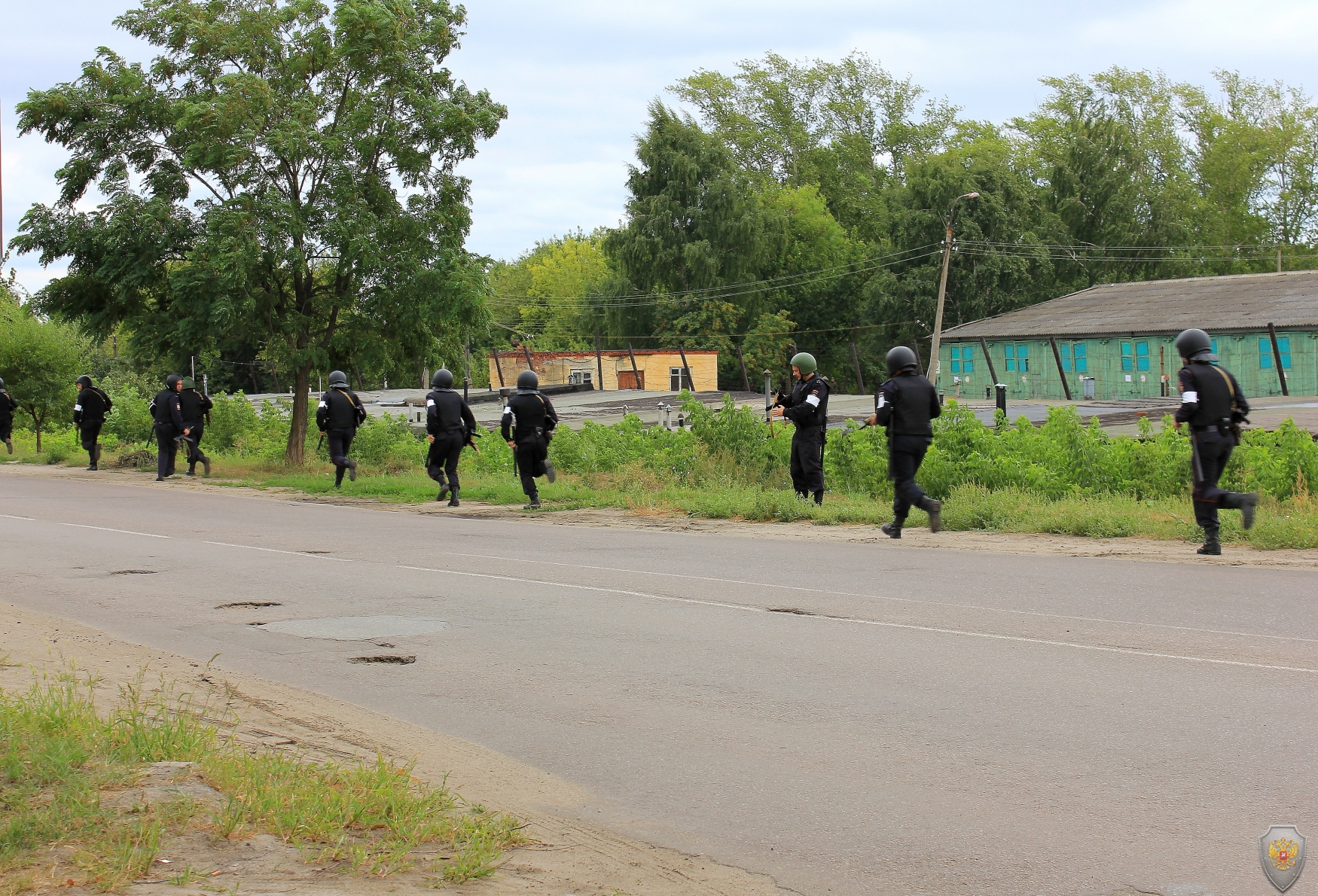 Осуществление первоочередных мер силами оперативной группы в  г. Тамбове. Оцепление территории войсковой части.