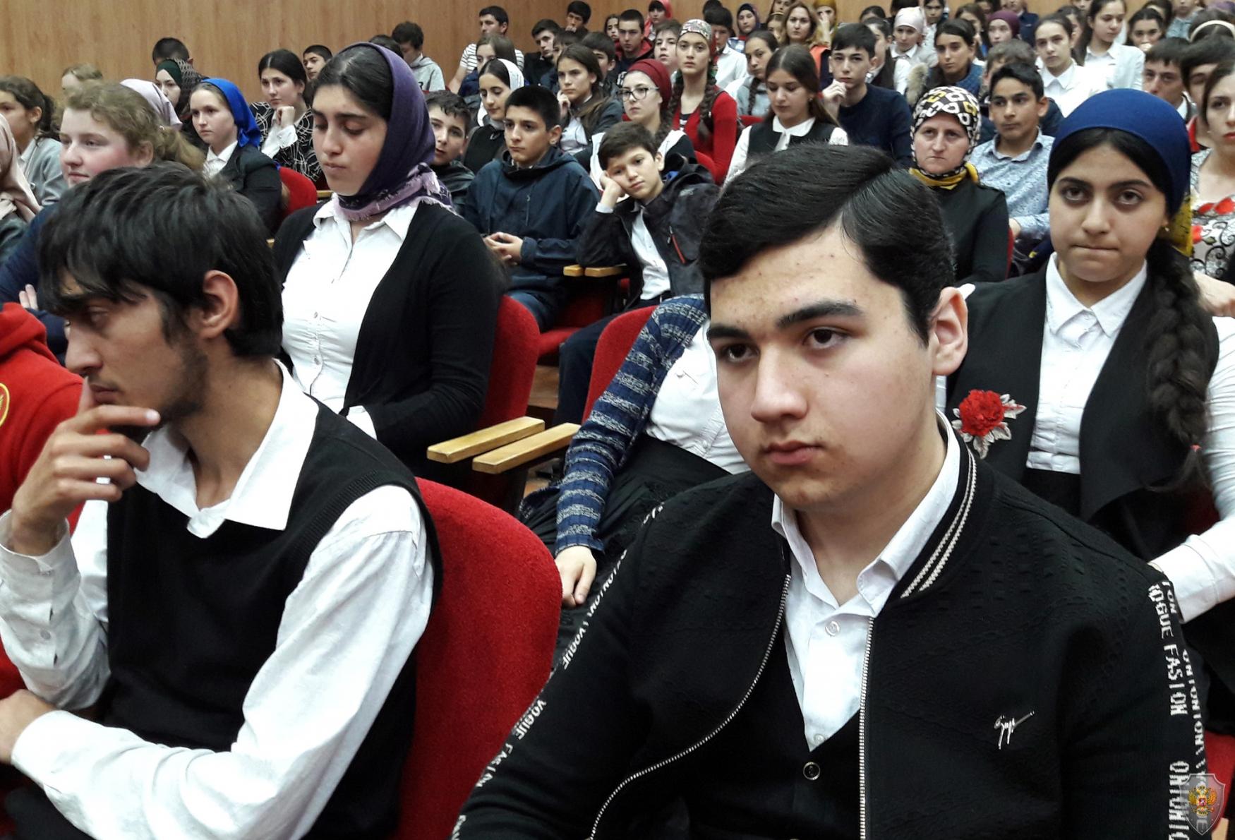 В Кумторкалинском районе проведен форум по вопросам противодействия идеологии терроризма и экстремизма