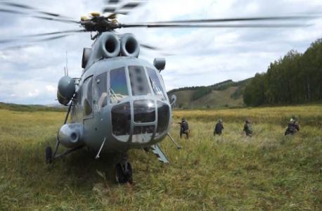 Высадка спецназа в горно-лесистой местности