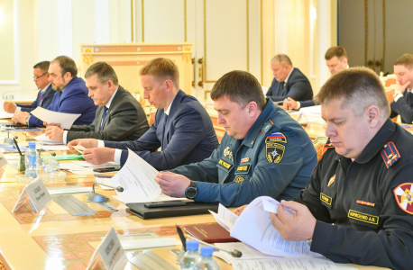 В Салехарде прошло  заседание окружной антитеррористической комиссии