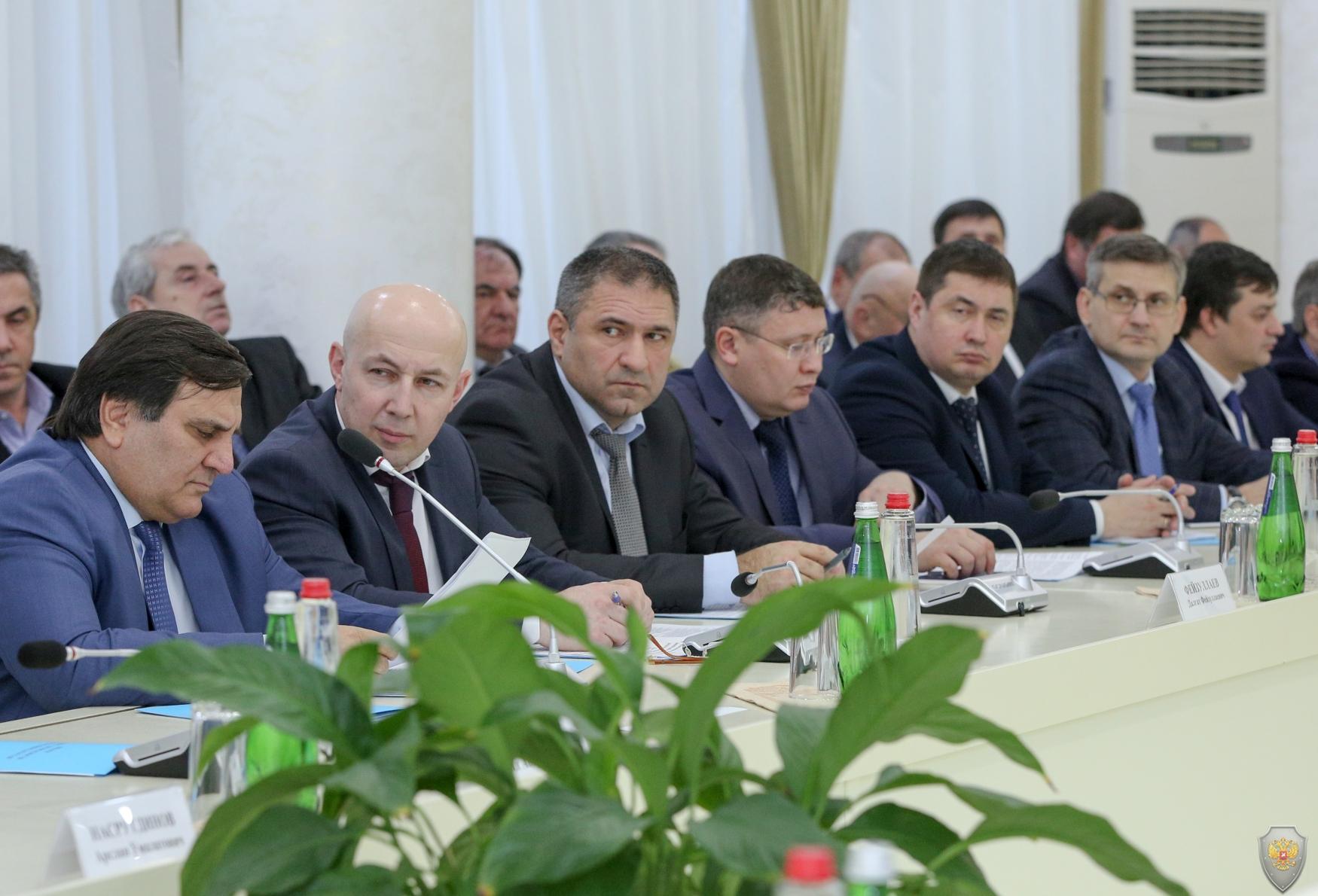 Владимир Васильев провел заседание Координационного совещания по обеспечению правопорядка и Антитеррористической комиссии в регионе