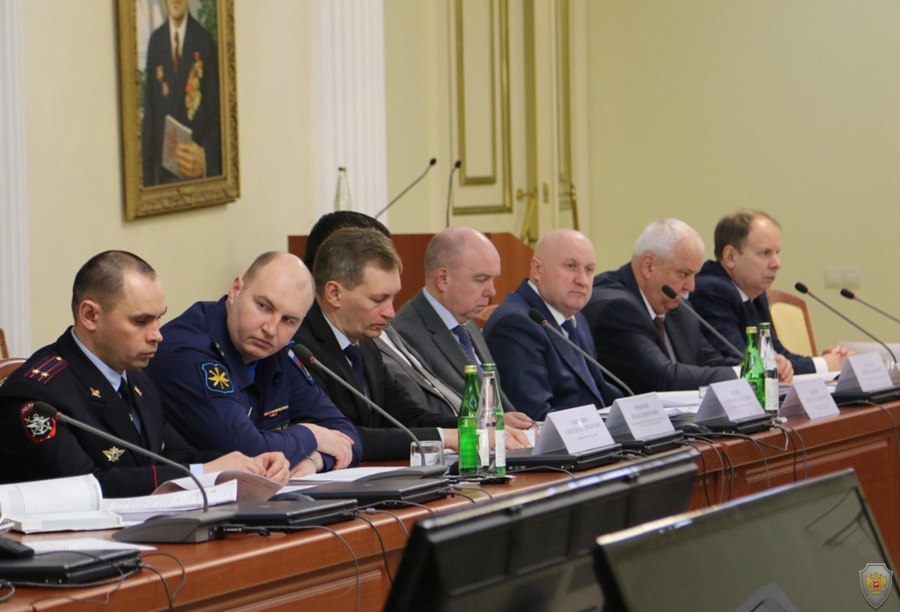 Руководители правоохранительных органов на совместном заседании Антитеррористической комиссии и Оперативного штаба 24 февраля 2016 года