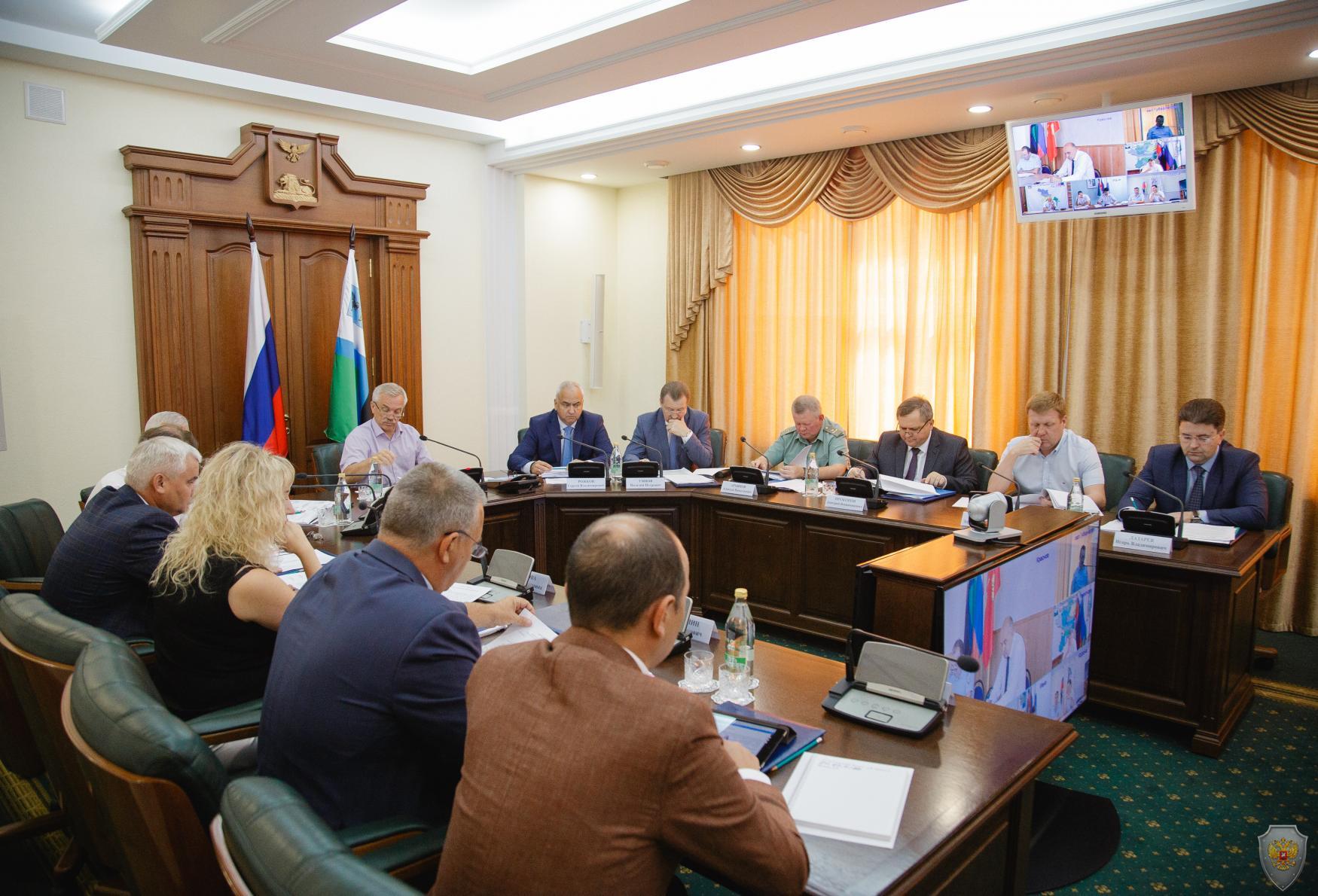 Прошло заседание  антитеррористической комиссии и Оперативного штаба в Белгородской области