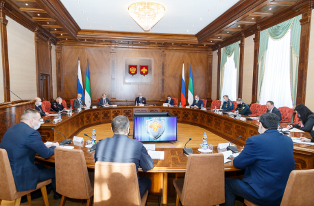 Открытие совместного заседания Антитеррористической комиссии в Республике Коми и оперативного штаба в Республике Коми от 17 февраля 2021 г. (общий план).