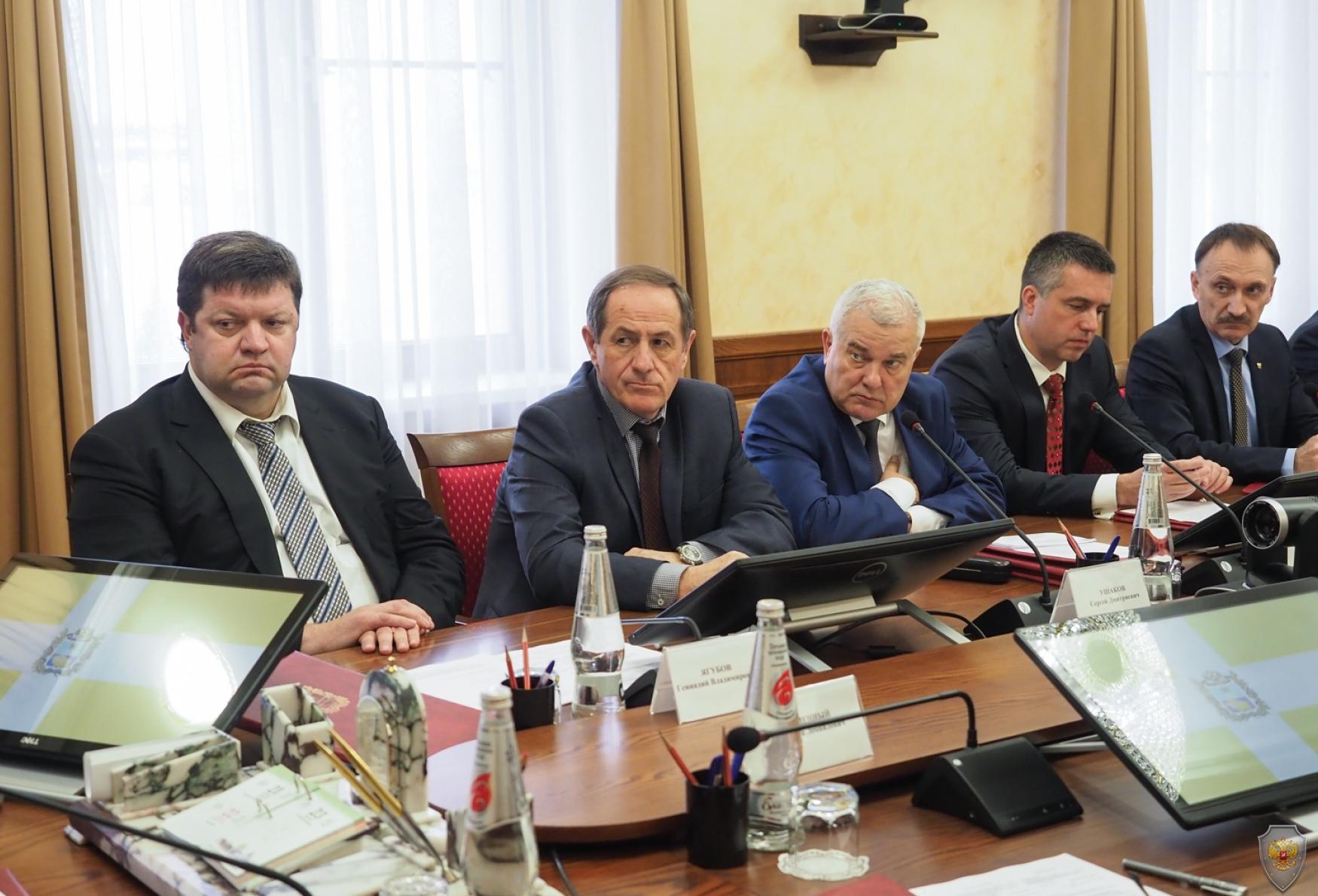 Под председательством Губернатора Владимира Владимирова состоялось совместное заседание антитеррористической комиссии края и регионального оперативного штаба