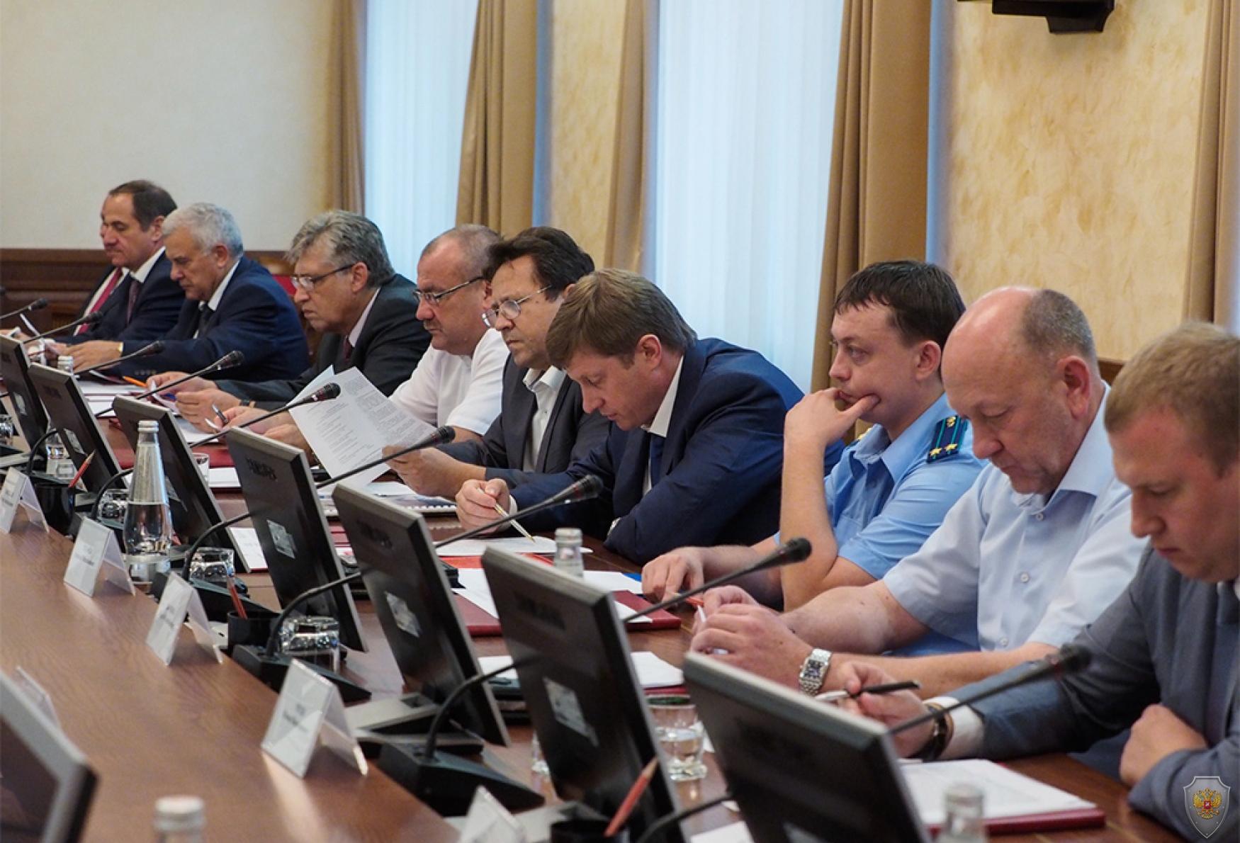 Выступление министра строительства, дорожного хозяйства и транспорта Ставропольского края Васильева И.А.