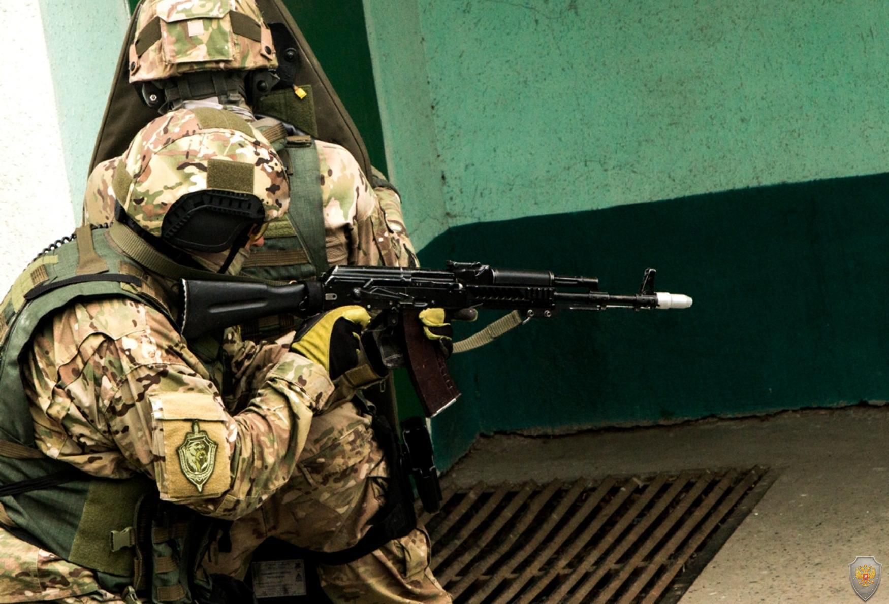 Выдвижение спецназа на позиции