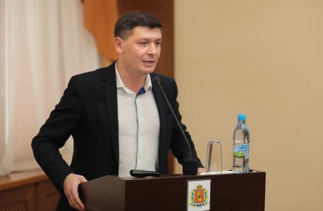 Выступление председателя комитета по молодежной политике Виноградова Алексея Георгиевича