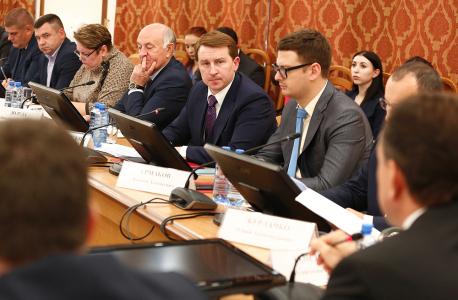 Вице-губернатор А. С. Копайгородский доложил о запланированных общественно-политических мероприятиях во время празднования Дня народного единства