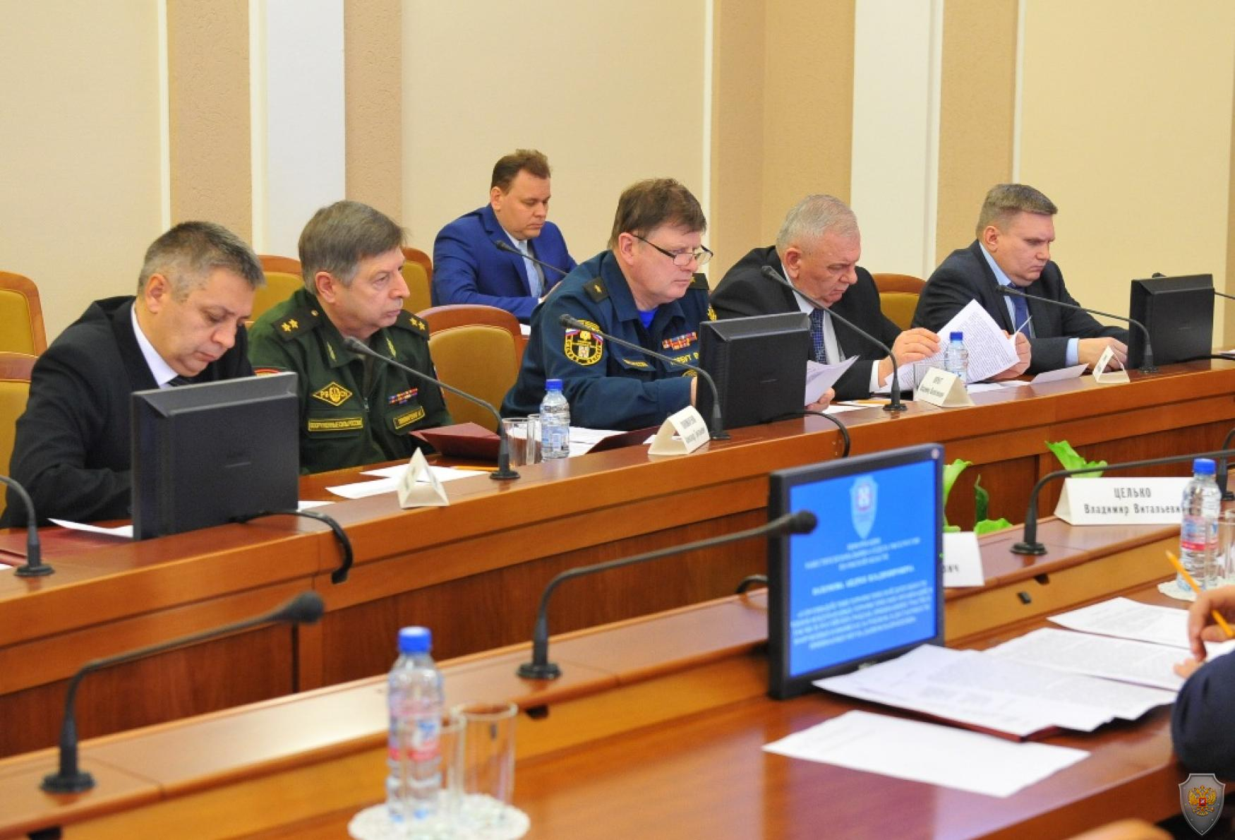 Членами антитеррористической комиссии Омской области рассматривается вопрос о противодействии деятельности международных террористических организаций.