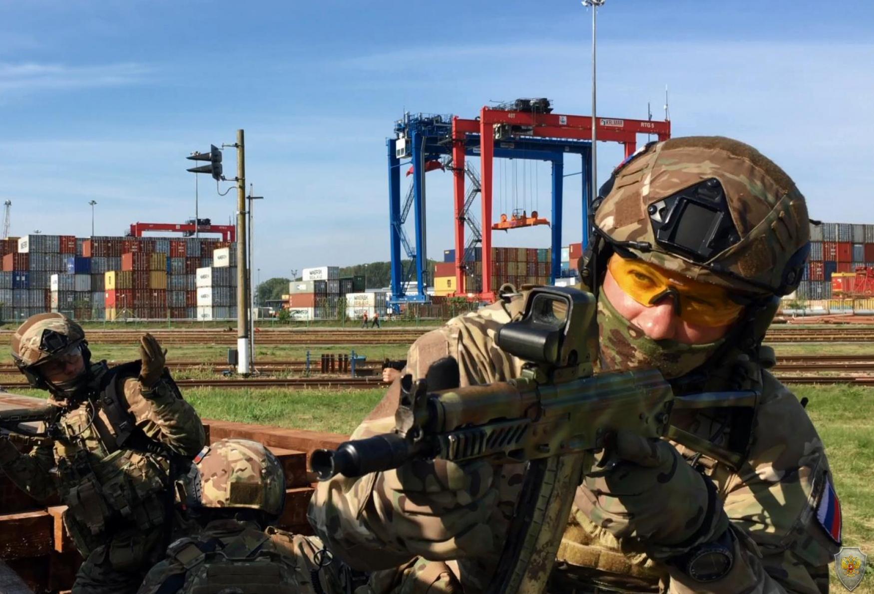 Оперативным штабом проведено тактико-специальное учение на объектах водного транспорта