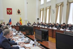 Губернатор Рязанской области Николай Любимов провел совместное заседание антитеррористической комиссии и оперативного штаба региона.