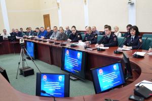 В правительстве области обсудили реализацию мер по обеспечению антитеррористической защищенности объектов (территорий) и мест массового пребывания людей